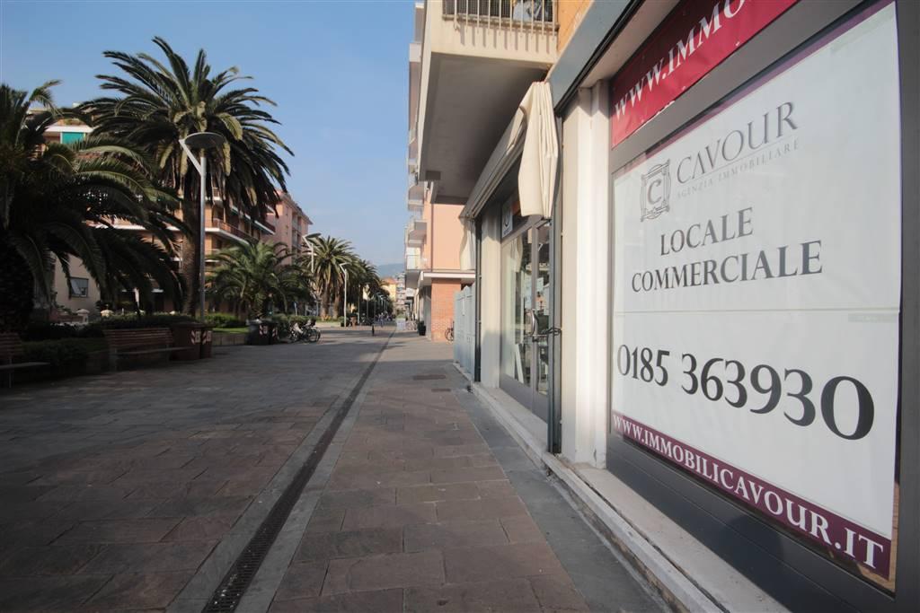 Negozio / Locale in affitto a Lavagna, 2 locali, zona Località: CENTRO, prezzo € 500 | CambioCasa.it