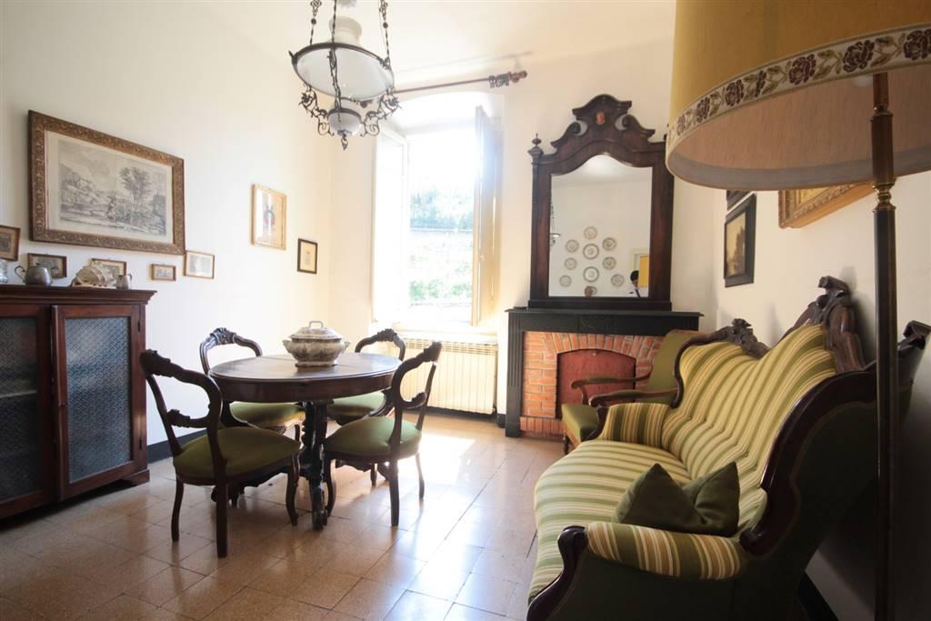 Appartamento in vendita a Carasco, 5 locali, zona Località: CENTRO, prezzo € 115.000 | CambioCasa.it