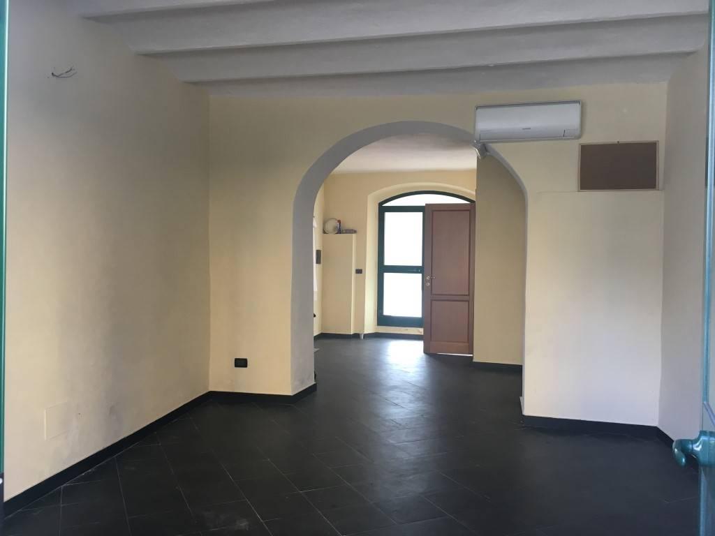 Negozio / Locale in affitto a Chiavari, 9999 locali, zona Località: ENEL, prezzo € 300 | Cambio Casa.it