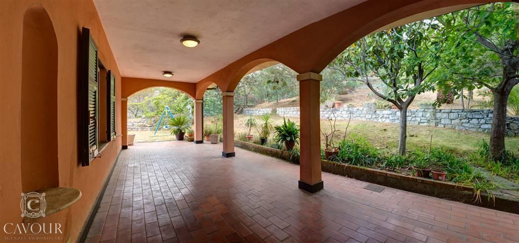 Villa in vendita a Lavagna, 6 locali, prezzo € 830.000 | CambioCasa.it
