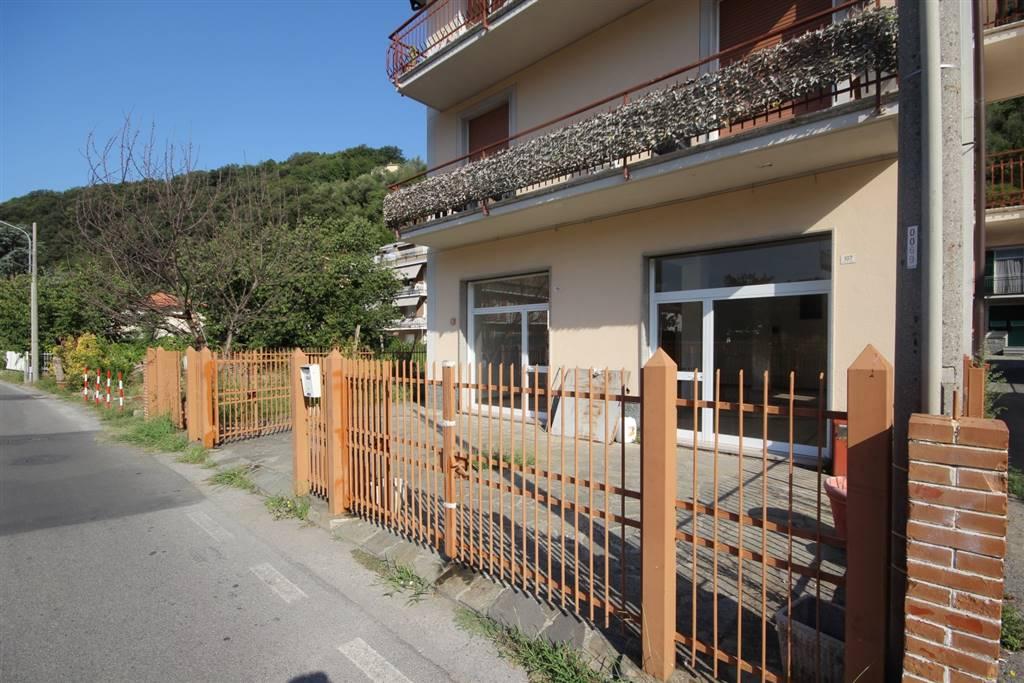 Magazzino in affitto a Carasco, 1 locali, zona Zona: Rivarola, prezzo € 470 | CambioCasa.it