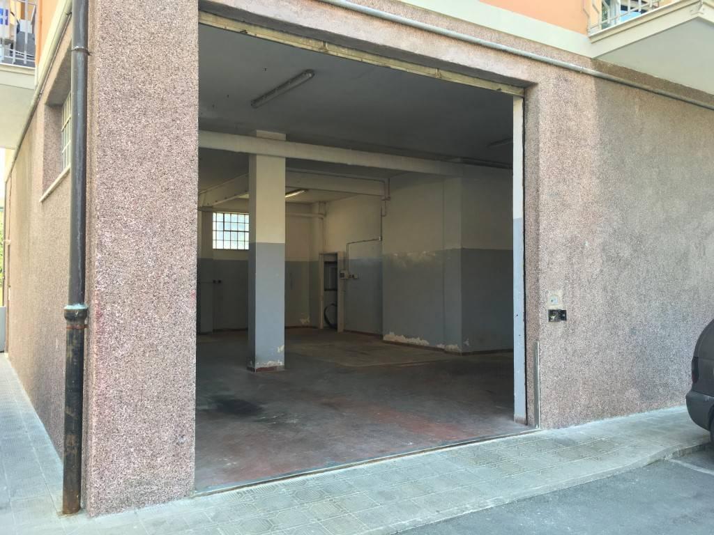 Magazzino in affitto a Chiavari, 2 locali, zona Località: CAPERANA, prezzo € 450 | CambioCasa.it