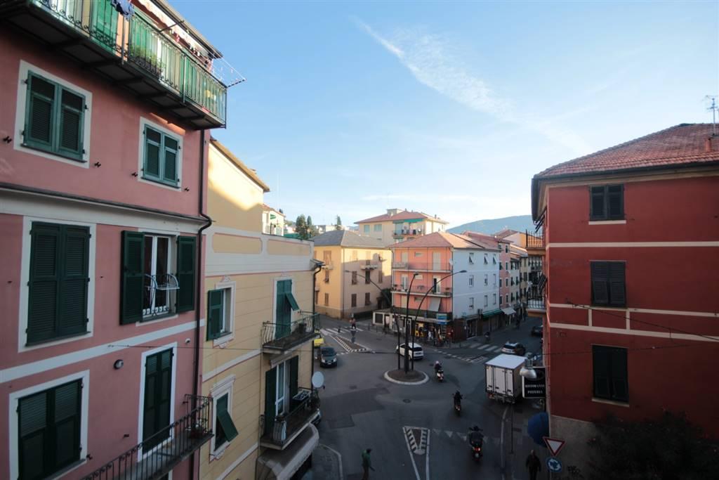 Appartamento in affitto a Chiavari, 4 locali, zona Località: CENTRO, prezzo € 600 | CambioCasa.it
