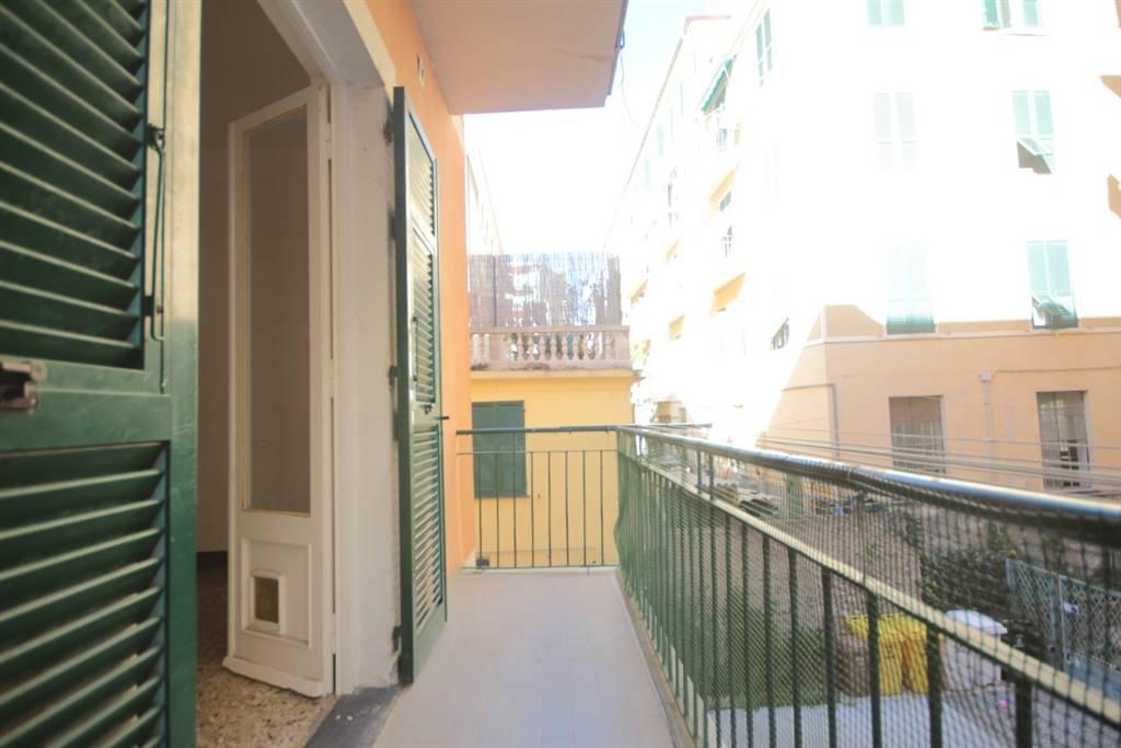 Appartamento in affitto a Chiavari, 4 locali, zona Località: PONENTE, prezzo € 500 | CambioCasa.it