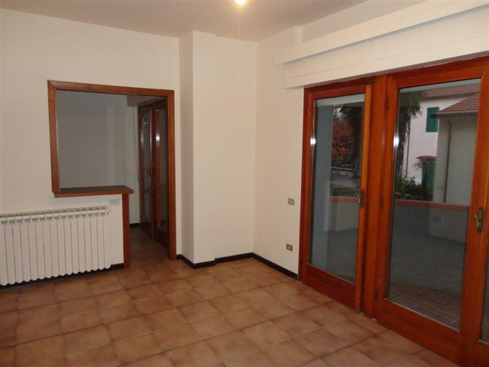 Appartamento in affitto a Montecatini-Terme, 2 locali, zona Località: PANTERAIE, prezzo € 400 | Cambio Casa.it