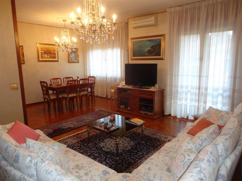 Attico / Mansarda in vendita a Montecatini-Terme, 6 locali, zona Località: MUSICISTI, prezzo € 315.000 | Cambio Casa.it