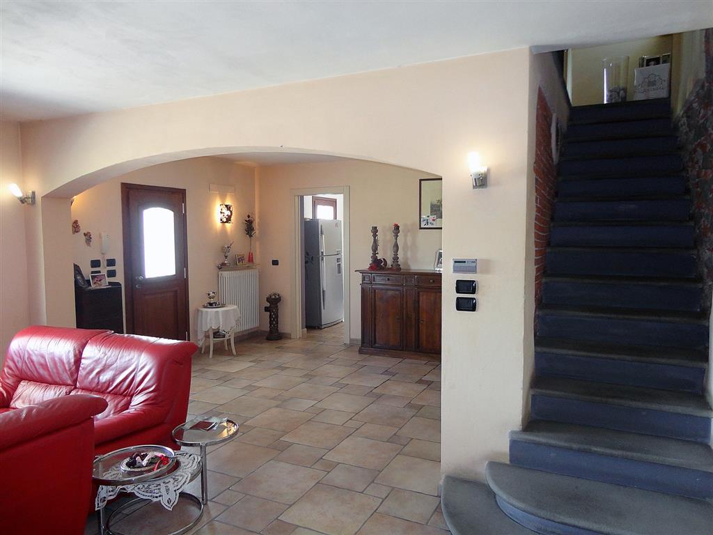 Soluzione Indipendente in vendita a Montecatini-Terme, 6 locali, zona Zona: Biscolla, prezzo € 350.000 | Cambio Casa.it
