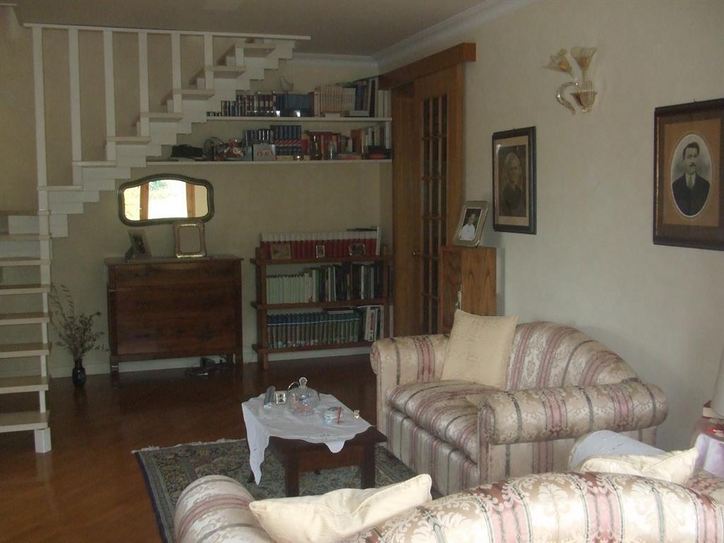 Soluzione Indipendente in vendita a Larciano, 10 locali, prezzo € 550.000 | Cambio Casa.it