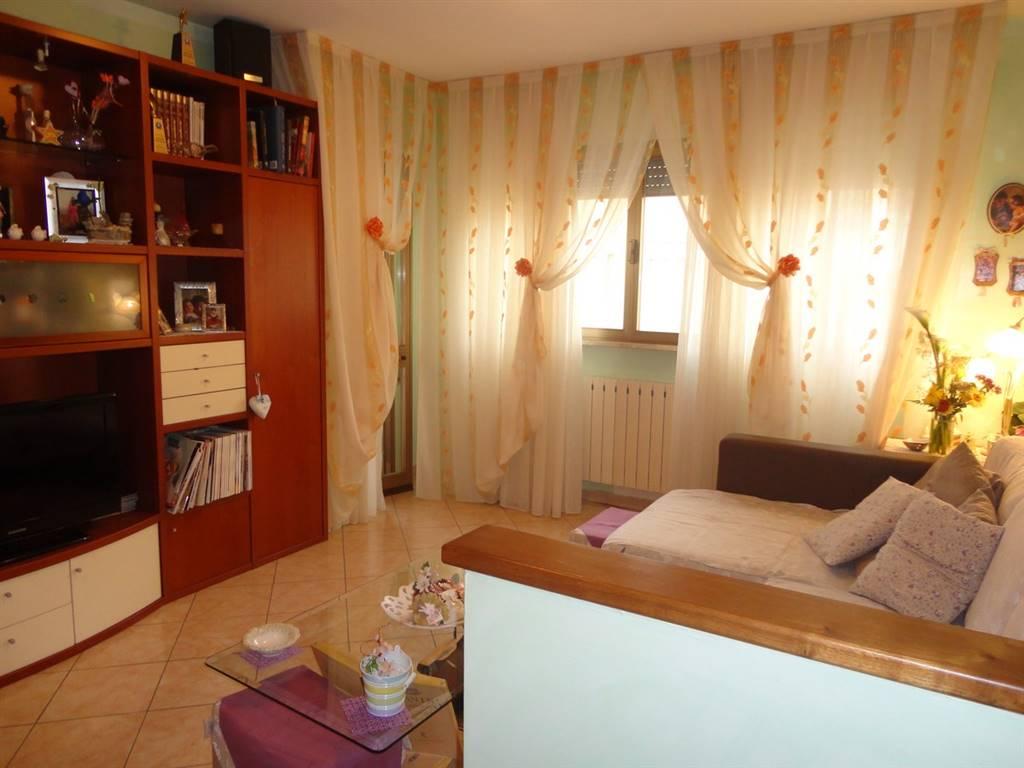 Appartamento in vendita a Pieve a Nievole, 4 locali, zona Località: VERGAIOLO, prezzo € 135.000 | Cambio Casa.it