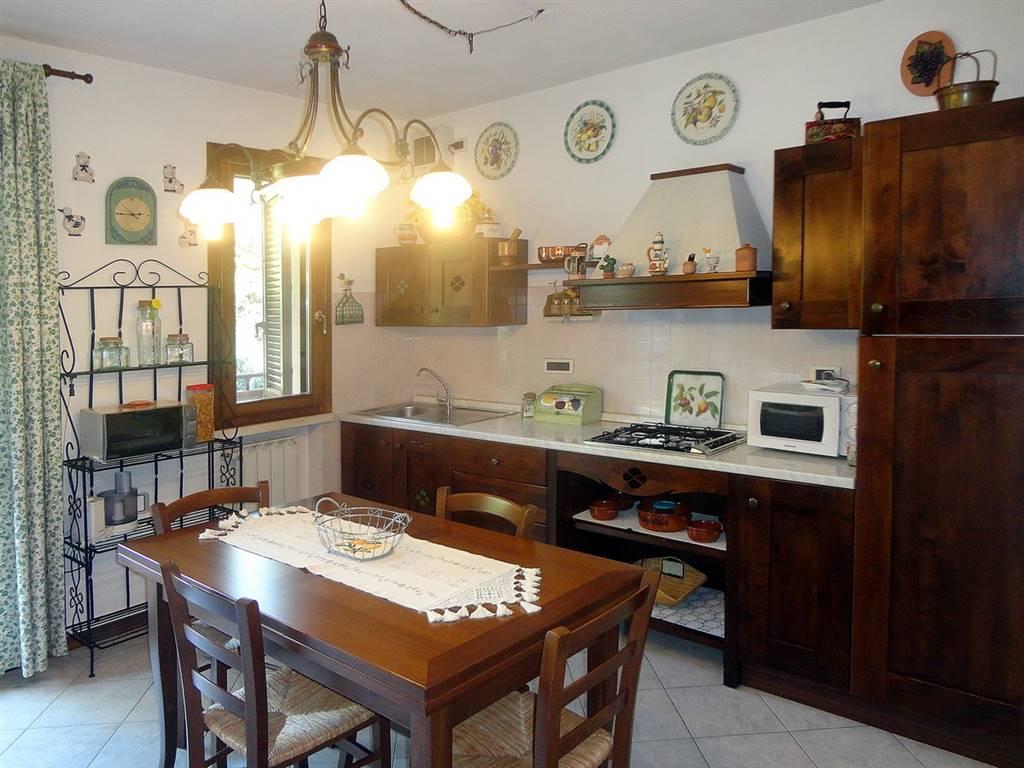 Appartamento in vendita a Pieve a Nievole, 3 locali, prezzo € 140.000 | Cambio Casa.it