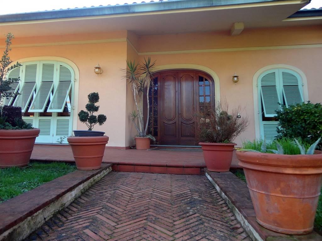 Villa in vendita a Pescia, 19 locali, prezzo € 815.000 | Cambio Casa.it