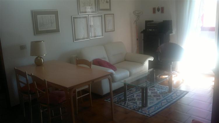 Appartamento in affitto a Udine, 6 locali, prezzo € 450 | CambioCasa.it