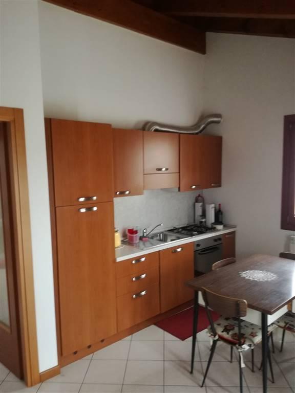 Appartamento in affitto a Tavagnacco, 3 locali, zona Zona: Colugna, prezzo € 450 | Cambio Casa.it