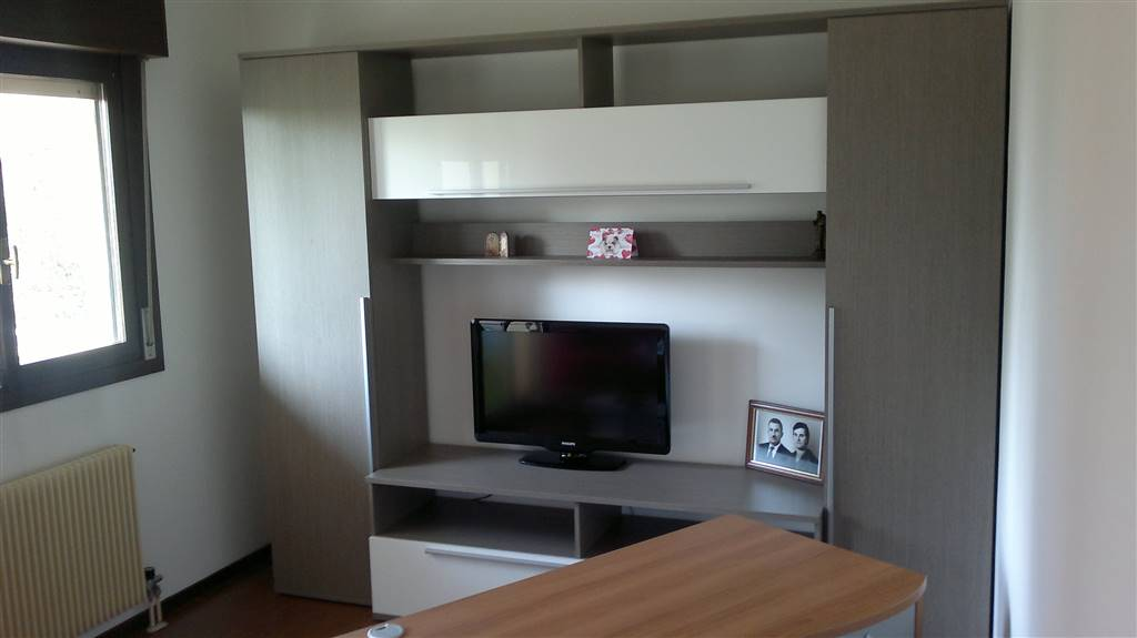 Appartamento in affitto a Tavagnacco, 4 locali, zona Zona: Colugna, prezzo € 480 | CambioCasa.it