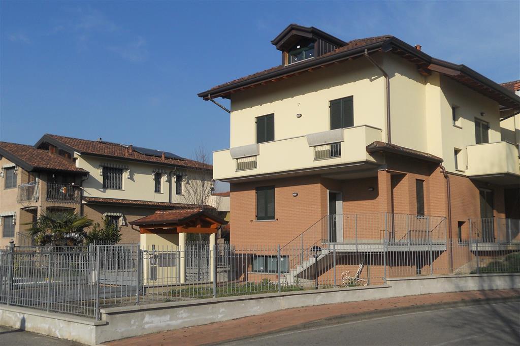 Villa in vendita a Pessano con Bornago, 4 locali, zona Località: PESSANO, prezzo € 580.000 | CambioCasa.it