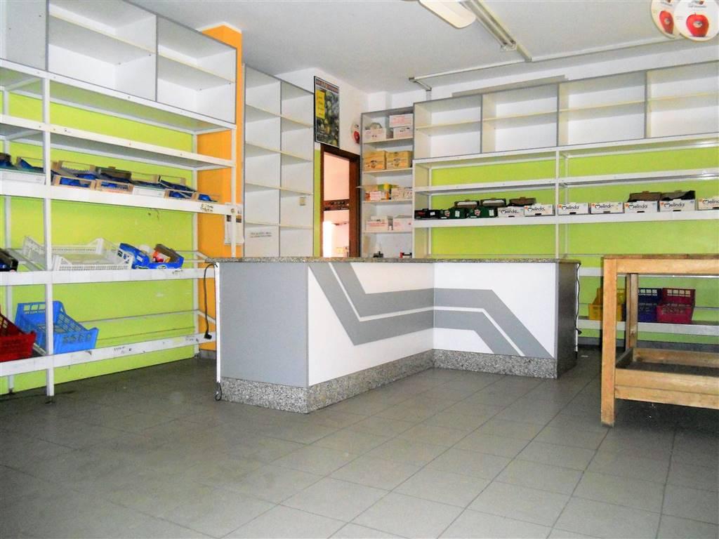 Negozio / Locale in affitto a Pessano con Bornago, 1 locali, prezzo € 800 | CambioCasa.it