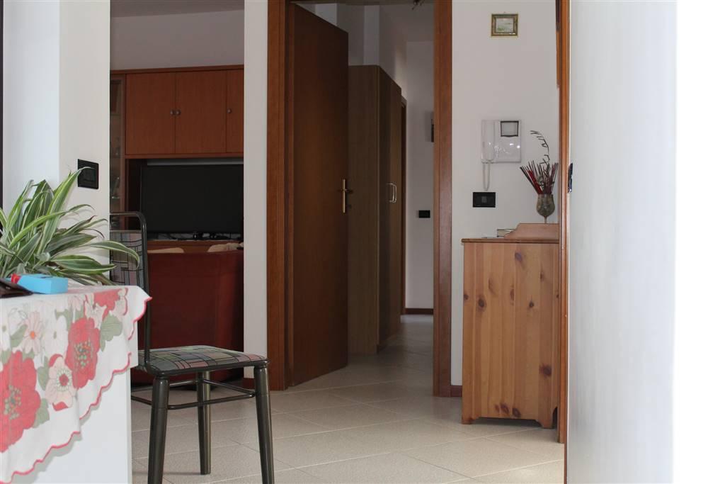 Appartamento in vendita a Pessano con Bornago, 3 locali, prezzo € 145.000 | CambioCasa.it
