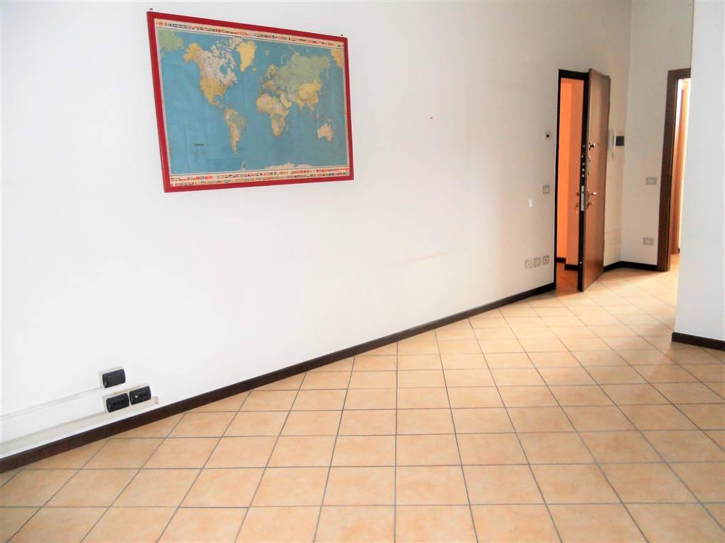 Ufficio / Studio in affitto a Caponago, 2 locali, prezzo € 470 | CambioCasa.it