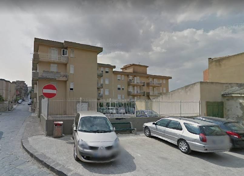 garage-Box-posto auto  in Vendita a San Cataldo
