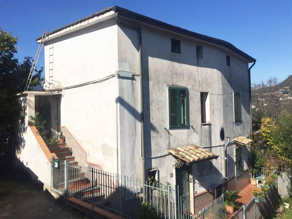 Villa in vendita a Salerno, 5 locali, zona Zona: Brignano, prezzo € 190.000 | Cambio Casa.it