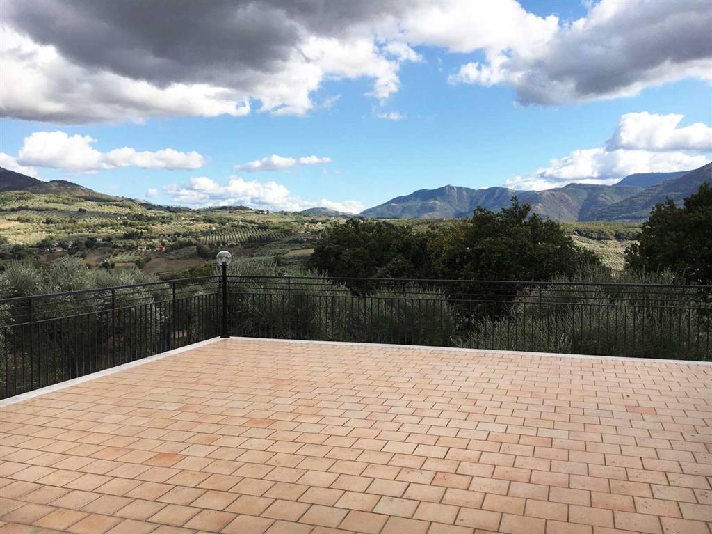Villa in vendita a Buccino, 4 locali, zona Zona: Mesarico, prezzo € 295.000 | CambioCasa.it
