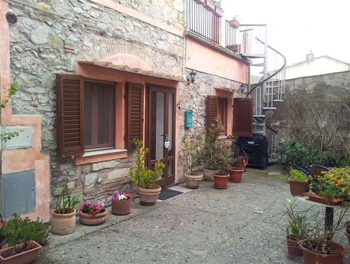 Appartamento indipendente, Castellina Marittima, ristrutturato