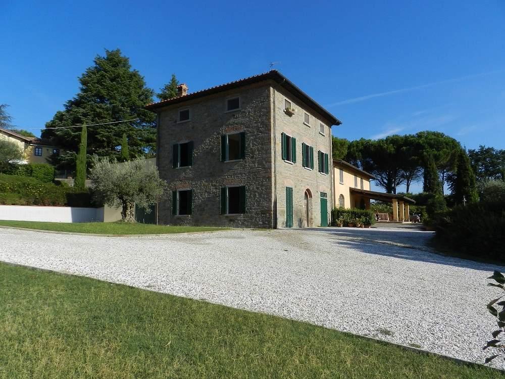 Soluzione Indipendente in vendita a Quarrata, 12 locali, zona Zona: Santonuovo, Trattative riservate   Cambio Casa.it