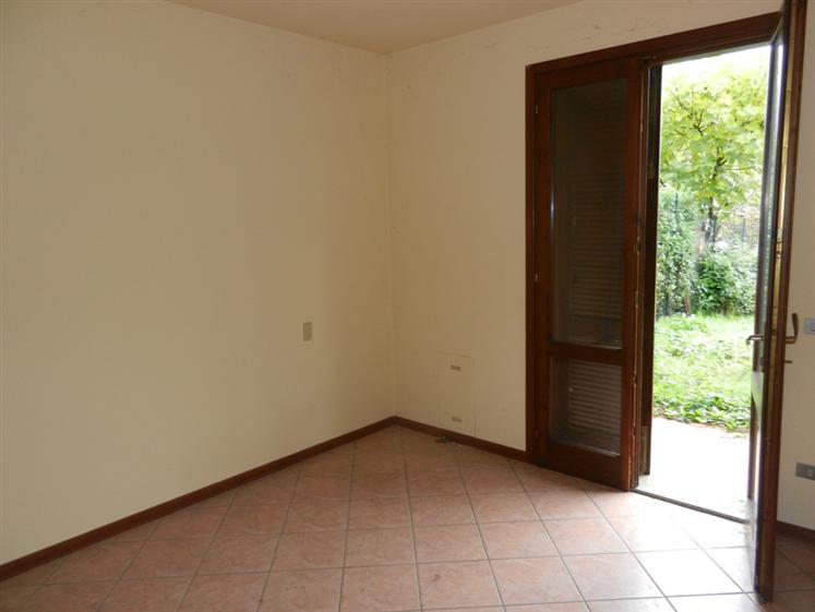 Villa Bifamiliare in vendita a Quarrata, 6 locali, zona Zona: Caserana, prezzo € 340.000   Cambio Casa.it