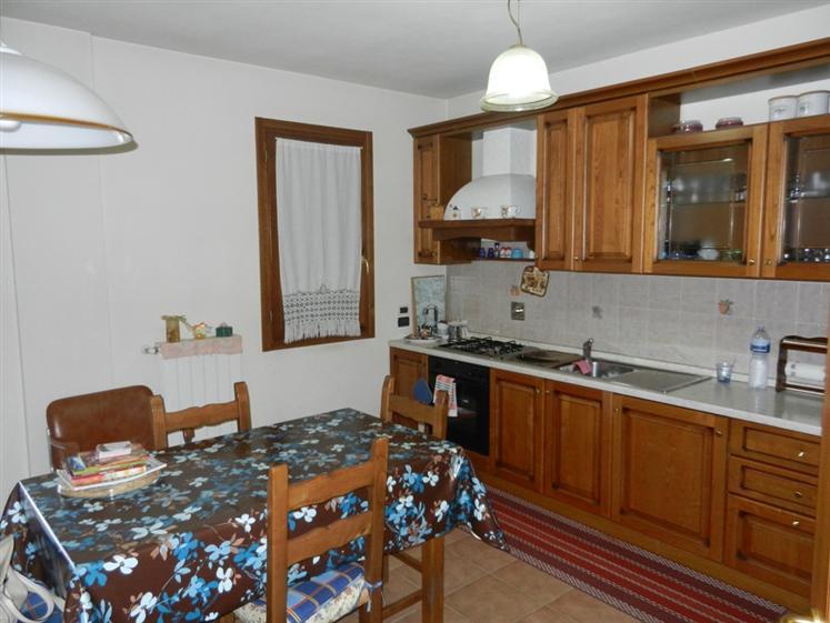 Villa a Schiera in vendita a Quarrata, 5 locali, zona Zona: Ferruccia, prezzo € 300.000   Cambio Casa.it