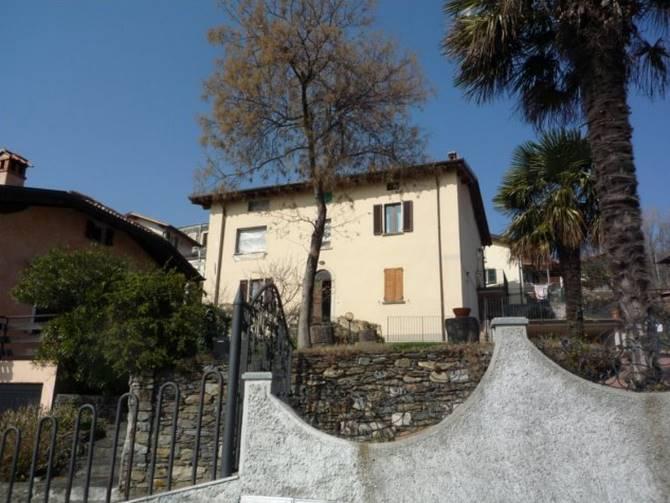 Villa in vendita a Colico, 5 locali, zona Zona: Olgiasca, prezzo € 450.000 | CambioCasa.it