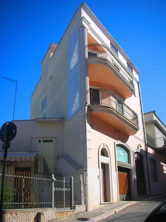 Soluzione Indipendente in vendita a Canosa di Puglia, 4 locali, prezzo € 180.000 | Cambio Casa.it