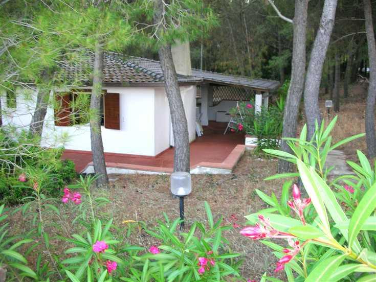 Villa in vendita a Castellaneta, 3 locali, prezzo € 290.000 | CambioCasa.it