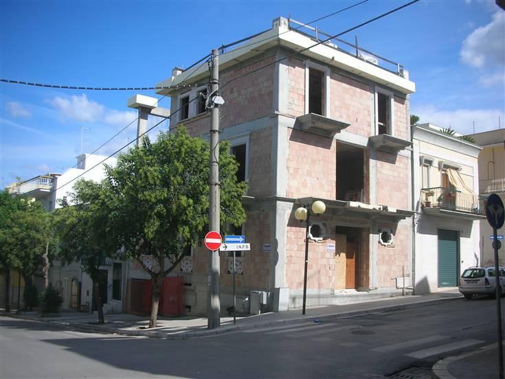 Palazzo / Stabile in vendita a Canosa di Puglia, 7 locali, Trattative riservate | Cambio Casa.it