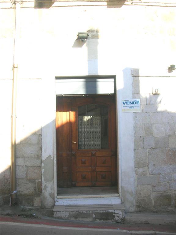 Attività / Licenza in Vendita a Canosa di Puglia