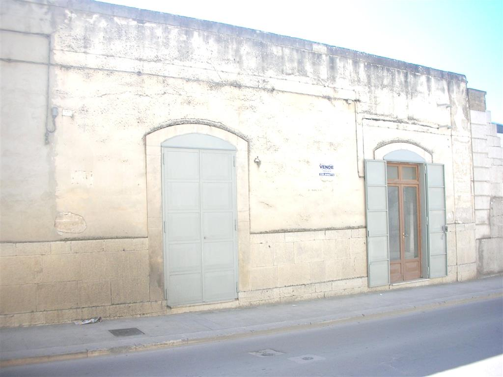 Laboratorio in Vendita a Canosa di Puglia