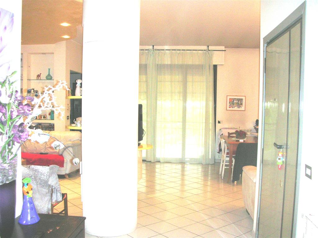 Appartamento in vendita a Canosa di Puglia, 4 locali, prezzo € 115.000 | Cambio Casa.it