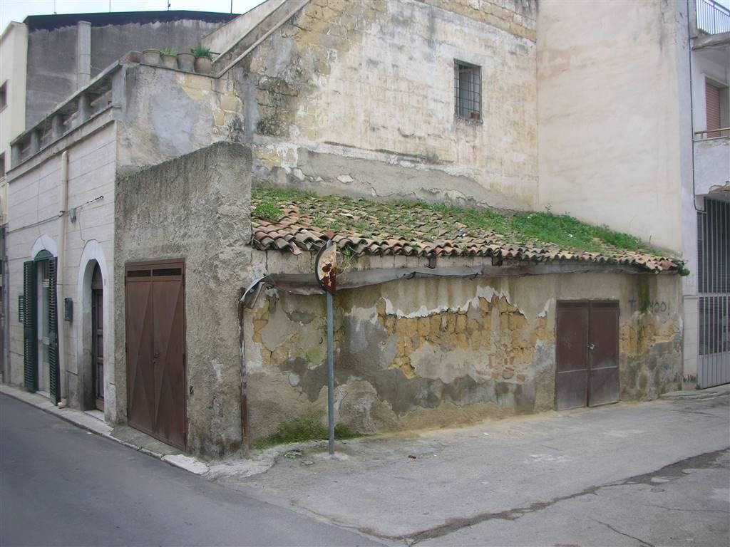 Magazzino in vendita a Canosa di Puglia, 1 locali, prezzo € 28.000 | CambioCasa.it