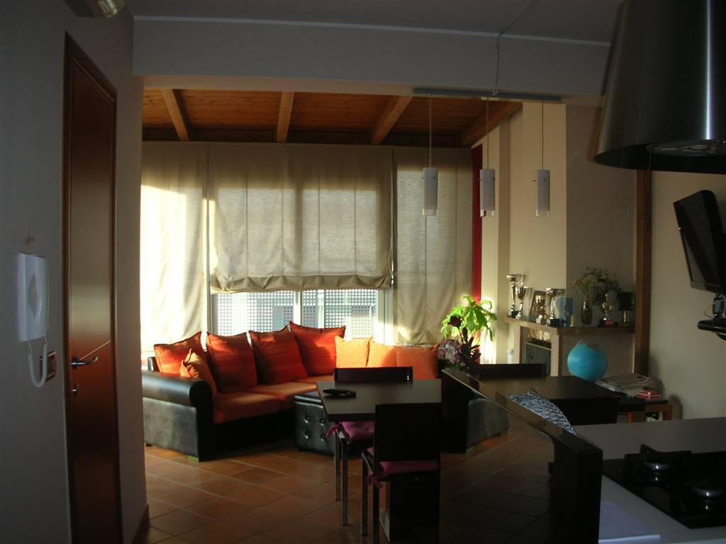 Attico / Mansarda in vendita a Canosa di Puglia, 6 locali, prezzo € 295.000 | Cambio Casa.it