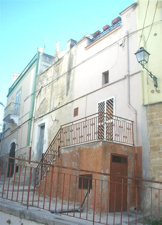 Soluzione Indipendente in vendita a Canosa di Puglia, 3 locali, prezzo € 23.000   CambioCasa.it