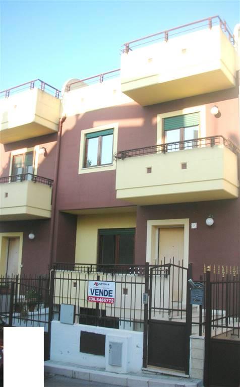 Villa in vendita a Canosa di Puglia, 5 locali, prezzo € 200.000 | CambioCasa.it