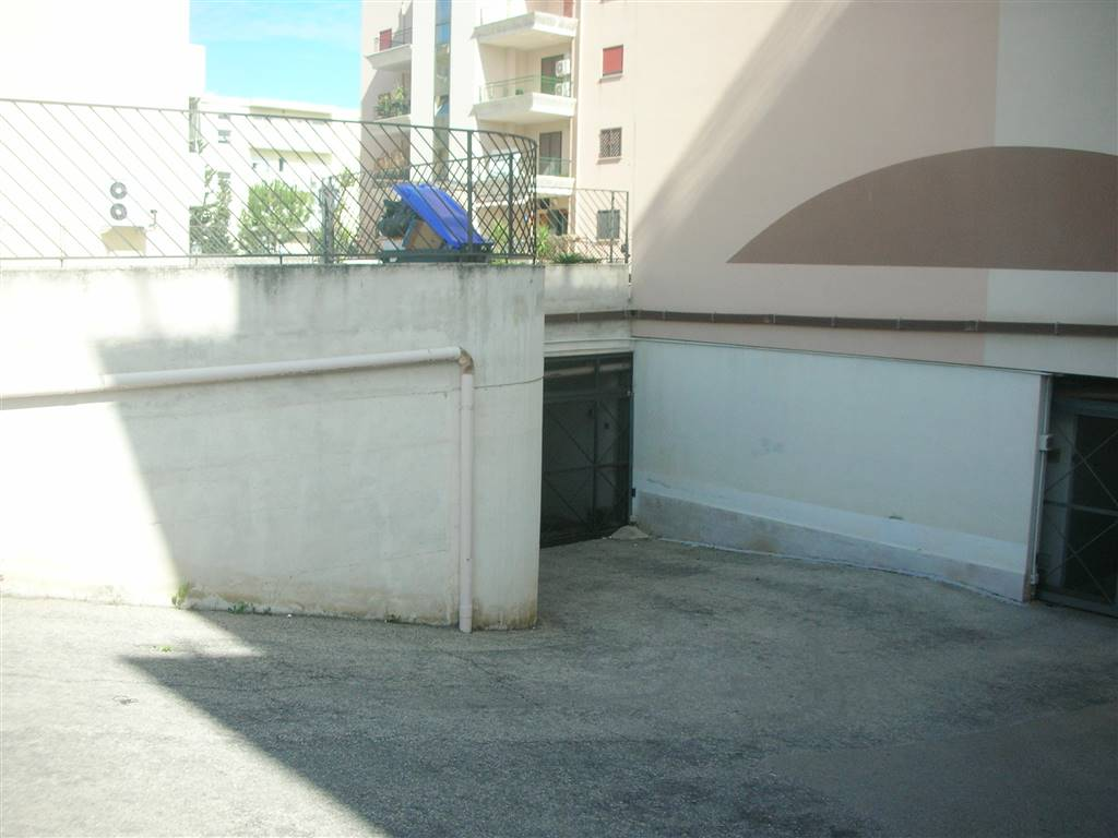 Box / Garage in vendita a Canosa di Puglia, 1 locali, prezzo € 24.000 | CambioCasa.it