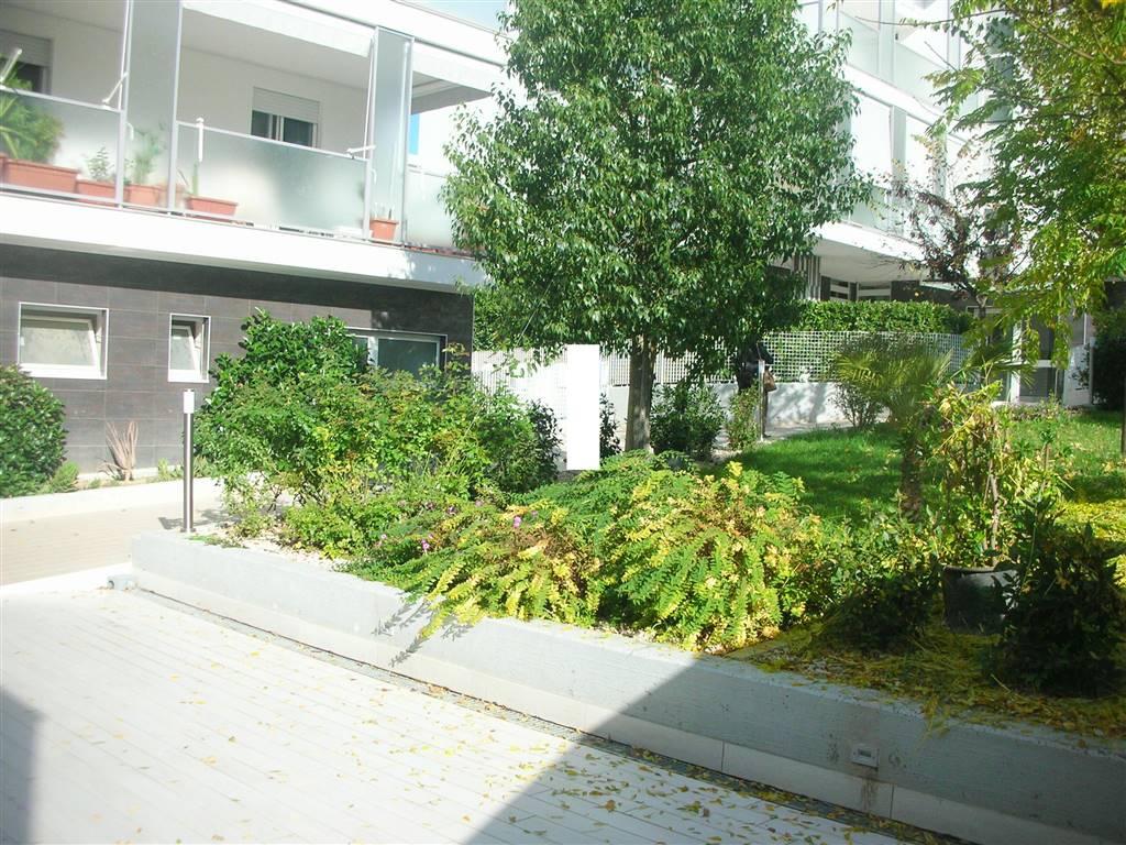 Appartamento in vendita a Canosa di Puglia, 5 locali, prezzo € 295.000   CambioCasa.it