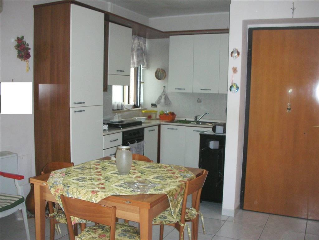 Appartamento in vendita a Canosa di Puglia, 2 locali, prezzo € 65.000   CambioCasa.it