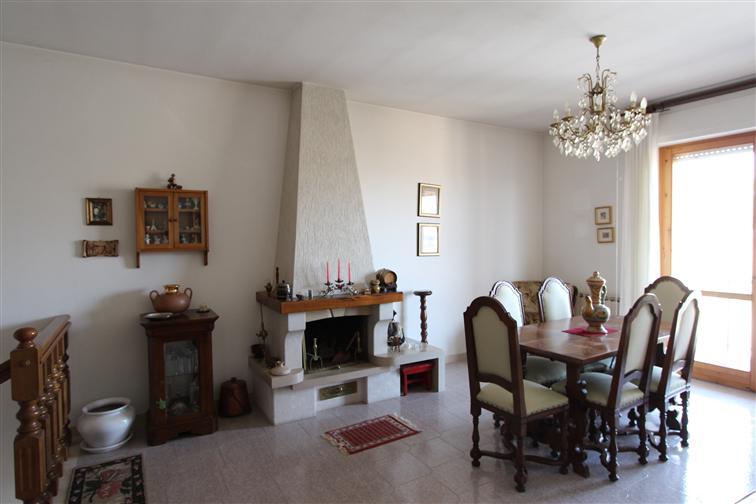 Appartamento in vendita a Montepulciano, 5 locali, zona Zona: Montepulciano Capoluogo, prezzo € 270.000 | CambioCasa.it