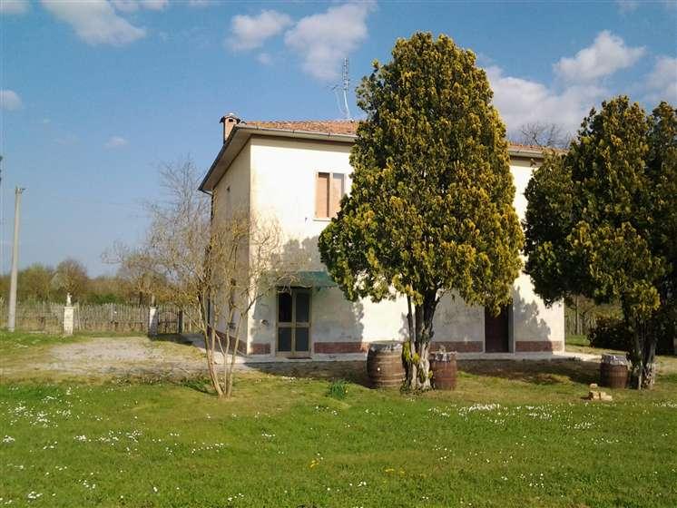Soluzione Indipendente in vendita a Montepulciano, 7 locali, prezzo € 200.000 | Cambio Casa.it
