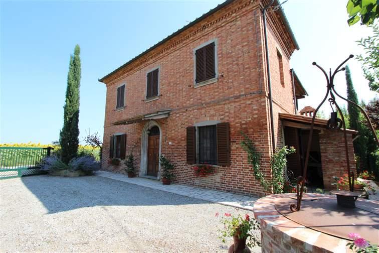 Rustico / Casale in vendita a Montepulciano, 6 locali, zona Zona: Acquaviva, prezzo € 220.000 | Cambio Casa.it