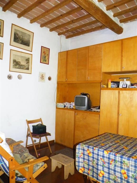 Appartamento in vendita a Montepulciano, 4 locali, zona Zona: Acquaviva, prezzo € 37.000 | CambioCasa.it