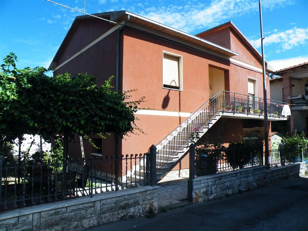 Soluzione Indipendente in vendita a Torrita di Siena, 5 locali, prezzo € 150.000 | CambioCasa.it