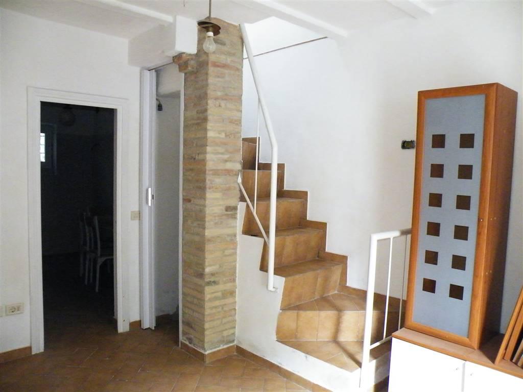 Appartamento in vendita a Montepulciano, 4 locali, zona Zona: Gracciano, prezzo € 55.000 | CambioCasa.it