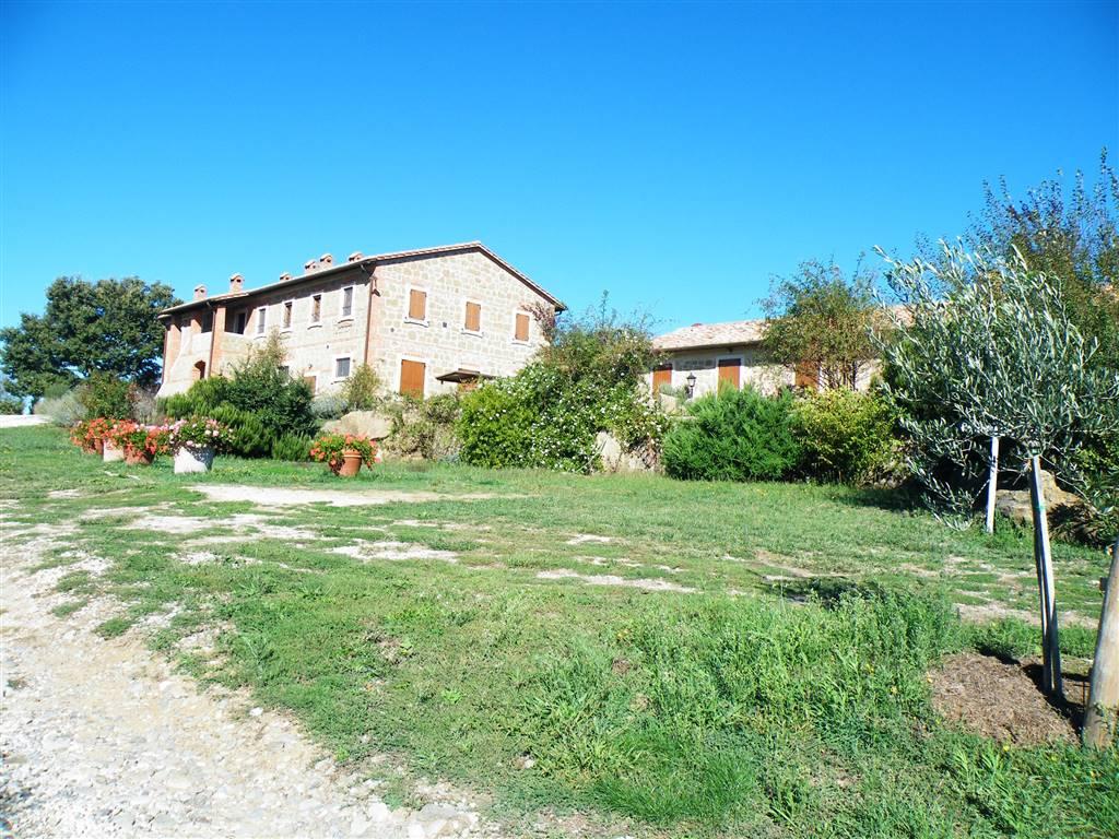 Rustico / Casale in vendita a Pienza, 20 locali, prezzo € 3.500.000 | CambioCasa.it